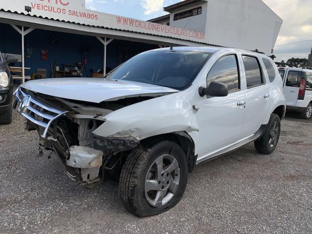 Renault duster 1.6 batido 2015