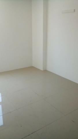 (EJ. Excelente apartamento em Porcelanato - Candeias - 2 Quartos (Suíte) - Foto 16