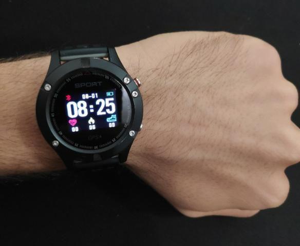 Relógio Smartwatch Gps Bluetooth Monitor Cardíaco Usado - Foto 2