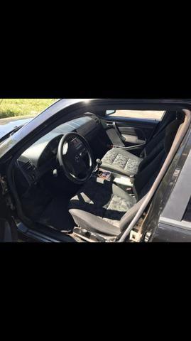 Mercedes C200 - Foto 4