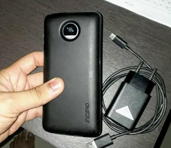 Moto z2 play + snap de bateria + carregador turbo - Foto 5