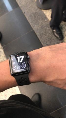 Apple Watch Serie 3 Nike - 42mm - Foto 4