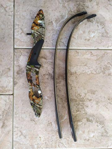 Arco e flecha 45 lbs - Foto 4