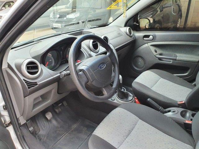 Fiesta Sedan Class 1.6 completo - Foto 8