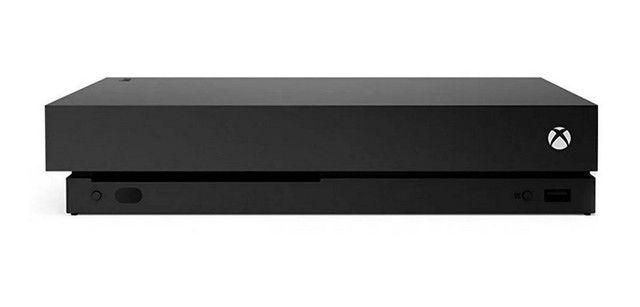 Xbox one X com 2 controles usado perfeito estado