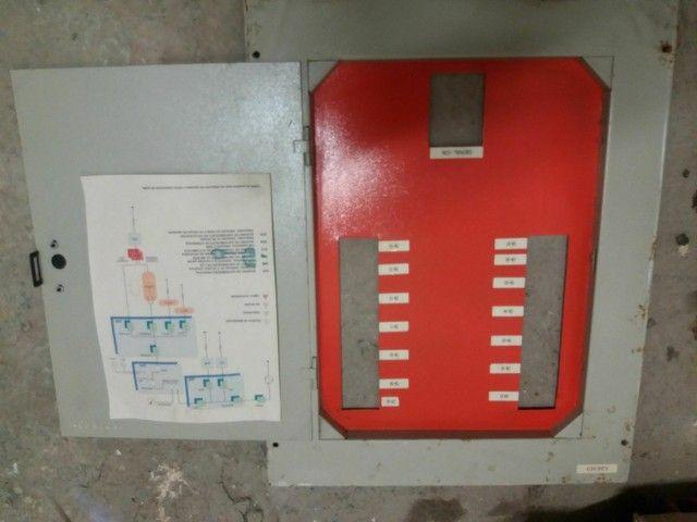 Quadro distribuidor + disjuntor 200A + disjuntor 100A - Foto 2