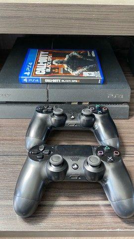 PlayStation 4 fat 500 gb + 2 controles sem fio + Call of Duty  - Foto 2