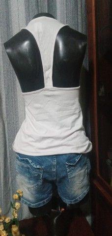 Blusa em Malha Branca, Modelo Regata  ? Tam. M - Foto 2