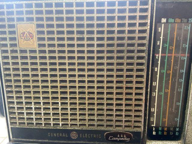 Antigo rádio general elétrica anos 60 - Foto 2