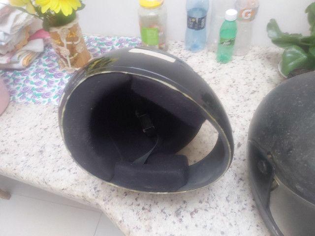 2 capacetes por 50 reais - Foto 2