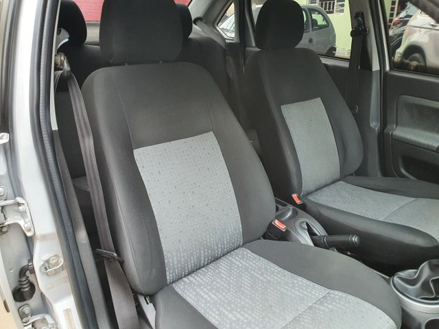 Fiesta Sedan Class 1.6 completo - Foto 14