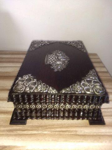 caixa porta jóias antiga de madeira jacarandá e prata de lei - Foto 3