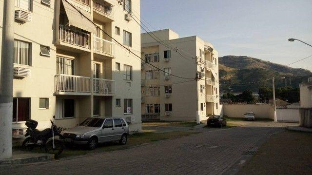 Apto 2qtos condomínio fechado em Quintino - 850,00