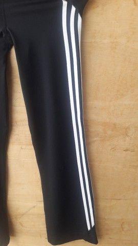 Calça legging Adidas preta tamanho P - semi nova