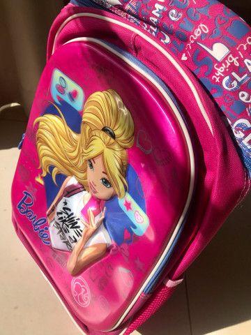 Mochila NOVA Barbie, tamanho G, com rodinhas