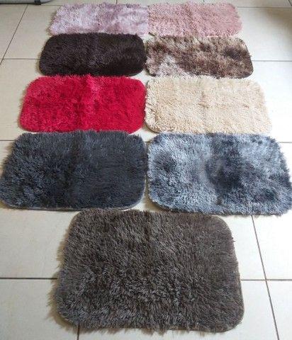 Tapetes peludinhos várias cores 60 x 40