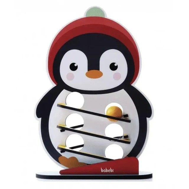 Rolando a bolinha com o Pinguim - Foto 2