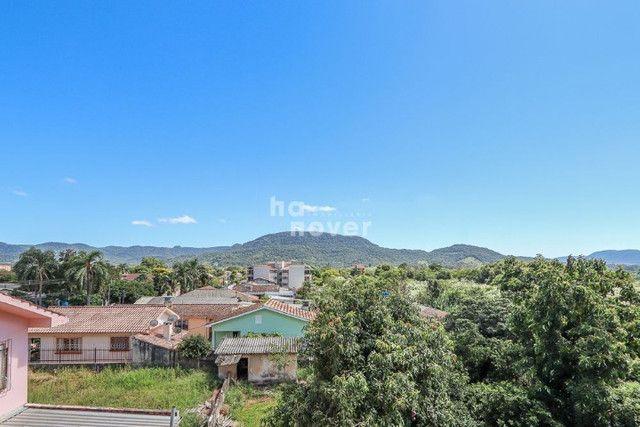 Apto 2 Dormitórios com 2 Suítes e Elevador em Camobi - Foto 7