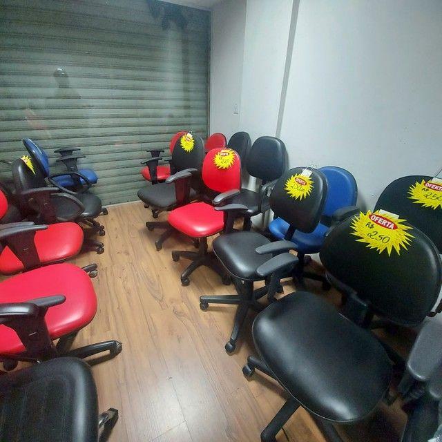 Cadeira Diretor Tecido Braço com Regulagem Escritório - Foto 4
