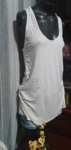 Blusa em Malha Branca, Modelo Regata  ? Tam. M - Foto 3