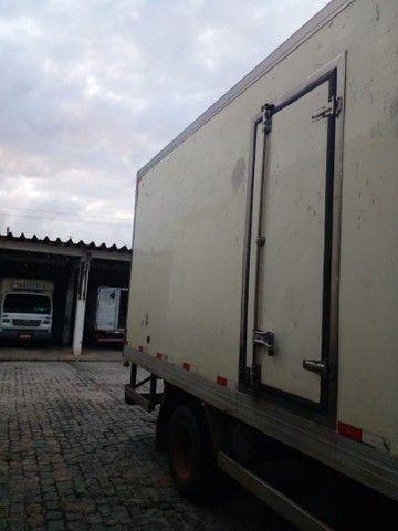 caminhão baú frio - Foto 3