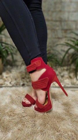 Sandálias Femininas - Lindas e Elegantes - 2 pelo preço de 1 - Foto 3