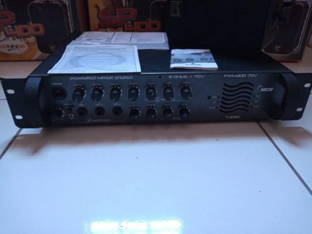 Amplificador e caixas acústicas
