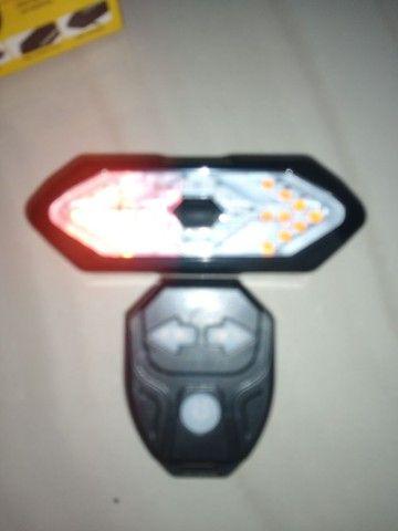 Lanterna bike recarregável  com pisca  - Foto 5