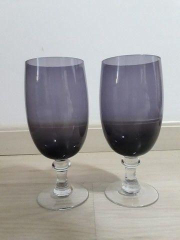 Dois copos de vidro lilás - Foto 3