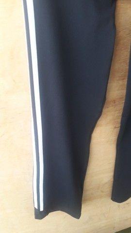 Calça legging Adidas preta tamanho P - semi nova - Foto 4