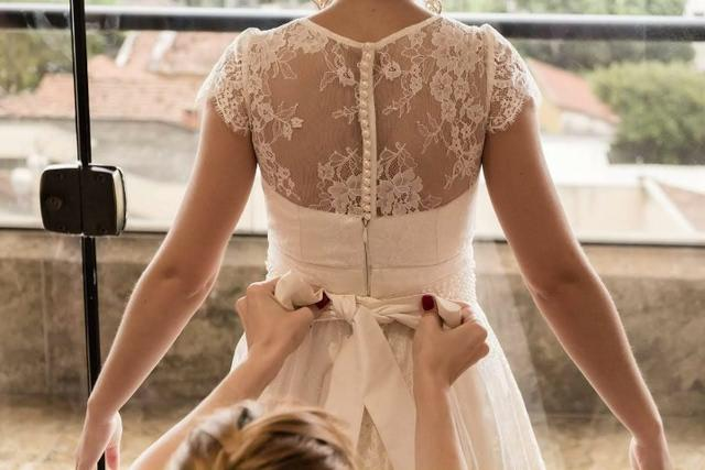 Vestido de noiva off-white com renda - Foto 2