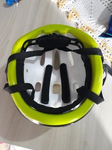 Vendo capacete infantil bicicleta - Foto 3