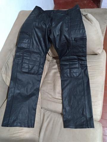 Calça de couro estilo motoqueiro