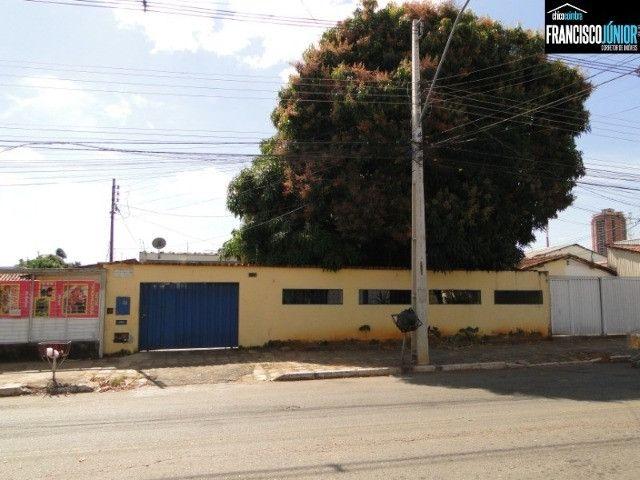 Casa Comercial no Setor Coimbra, Imóvel Comercial, encostado no Hiper Moreira, lote 450 m²