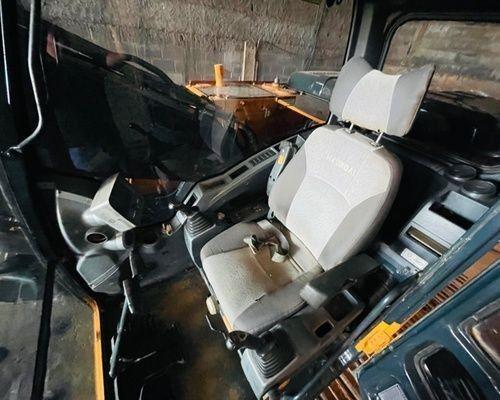 Hyundai 220 - Foto 2
