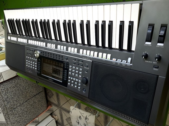 Teclado Yamaha psr s970 seme novo  - Foto 4