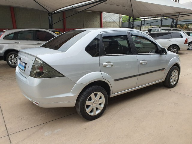 Fiesta Sedan Class 1.6 completo - Foto 4