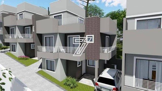 Sobrado com 151m² com 3 quartos e churrasqueira no terraço em Campo Comprido - Curitiba -