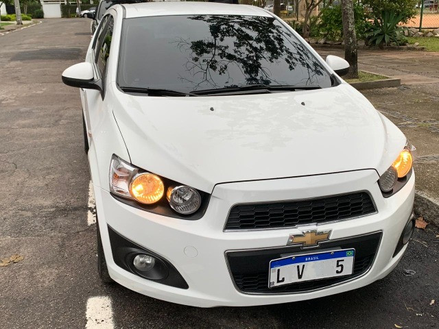 GM Chev Sonic HB 1.6 LTZ Aut 2013 Completo e Sem Dívidas