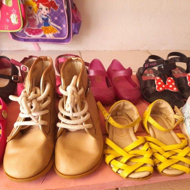 Vendo sapatinhos e sandalinhas infantil - Foto 2