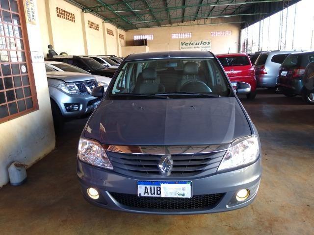 Renault Logan Expression 1.6 8v Flex Completo 2011