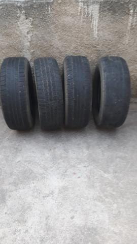 Vendo 4 pneus meia-vida