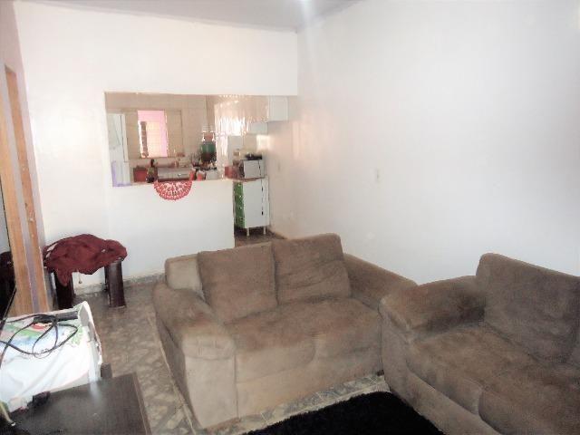 Casa 3 quartos um com suite, 3° rua atras da feira do produtor, 200 metros da upa - Foto 5