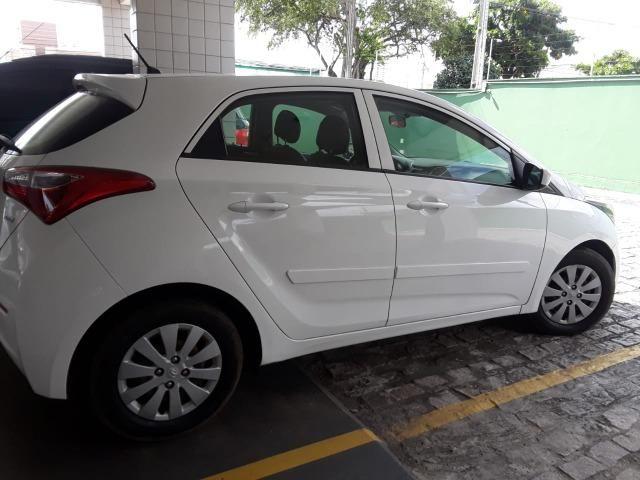 Vendo Carro HB20 2014 completo com bancada de couro - Foto 2