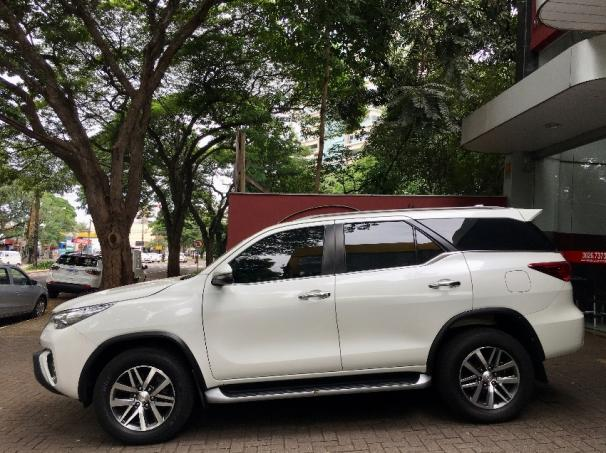 Toyota Hilux Sw4 Srx 4P - Foto 4