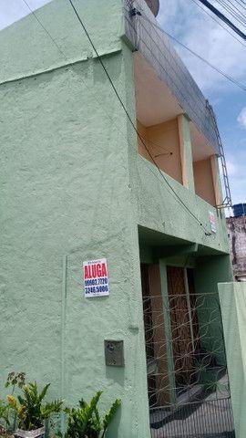 Alugo excelentes apartamentos de 30m², na Avenida Raul Barbosa, 5138