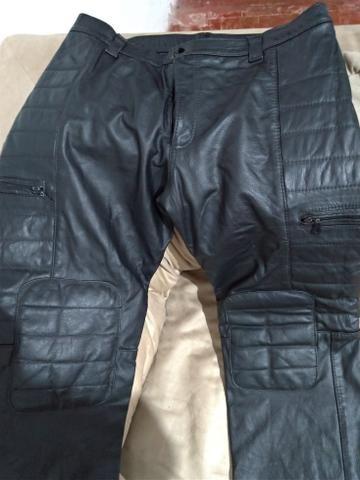 Calça de couro estilo motoqueiro - Foto 2