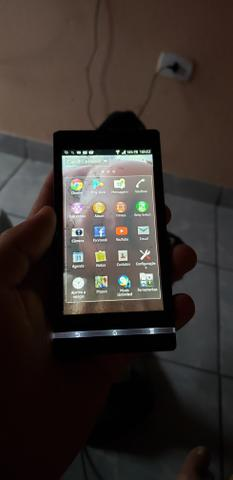 Vendo sony Xperia 32 GB tela de 4.5