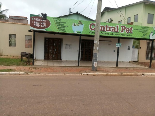 Vendo prédio comercial na Av. Valdomiro Lopes