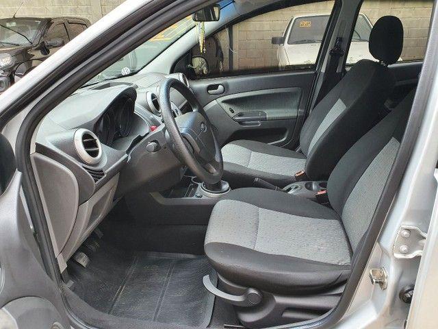 Fiesta Sedan Class 1.6 completo - Foto 9